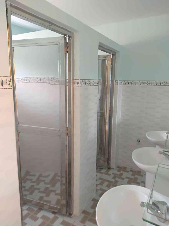 Khu vực nhà vệ sinh dành cho giáo viên nữ